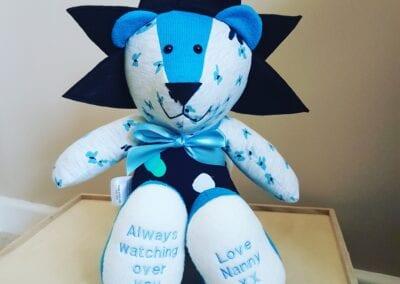 Keepsake Lion - A memory Lion is a wonderful way to cherish clothing